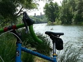 Qualche personale pensierino sulle ciclopiste in genere e su quella che alcune istituzioni locali sono in procinto di realizzare sulla sx Brenta da Pove a Bassano; con una povera speranzafinale.